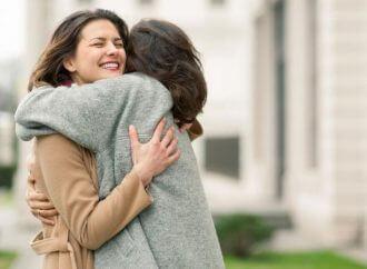 Az ölelés 10 gyógyító hatása